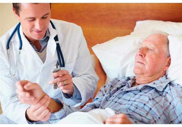 Bệnh táo bón là bệnh thường gặp ở người cao tuổi
