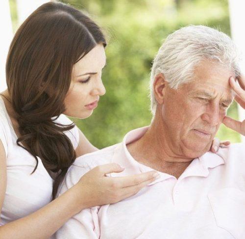 Bệnh Alzheime để lại nhiều biến chứng nguy hiểm cho người cao tuổi
