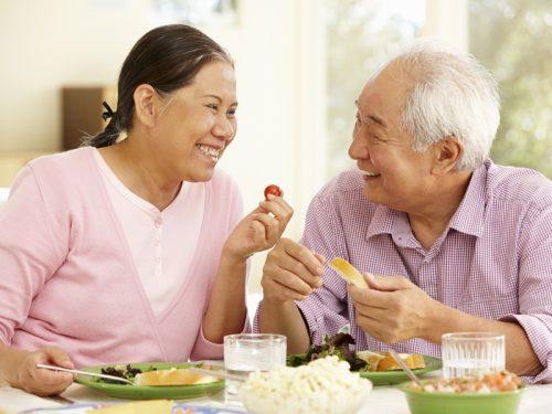 Luôn nở nụ cười, giữ tinh thần lạc quan giúp người cao tuổi có sức khỏe tốt