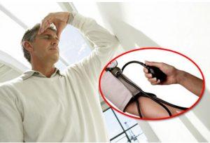Chữa bệnh huyết áp thấp ở người cao tuổi bằng tỏi hiệu quả