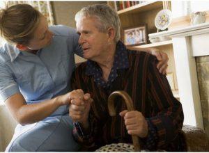 Khi bệnh chuyển giai đoạn cuối sinh hoạt người già trở nên rất khó khăn