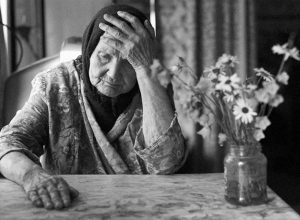 Về già là lúc con người ta cảm thấy cô đơn nhất