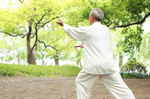 Người cao tuổi nên lựa chọn môn thể thao tập luyện phù hợp