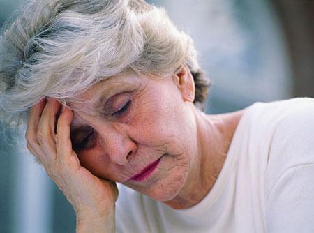 Người cao tuổi rất dễ có sự xáo trộn về mặt tâm lý
