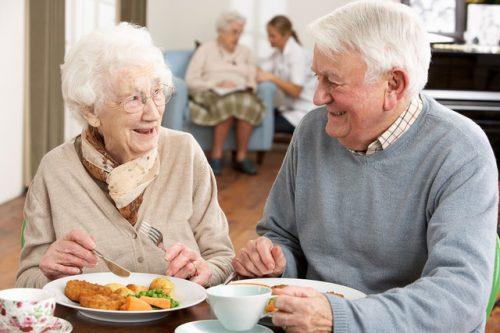 Không chỉ có sức khỏe mà dinh dưỡng của người cao tuổi cũng được đảm bảo