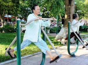 Mọi hoạt động và chế độ ăn uống người già được thực hiện một cách khoa học