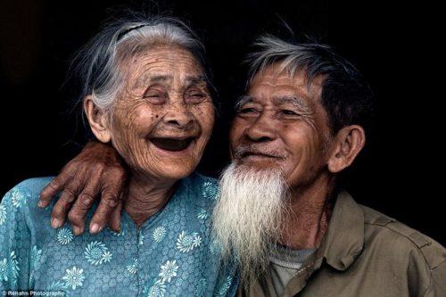 Tình yêu tuổi già cũng phải trải qua những thăng trầm, khó khăn mới đạt được
