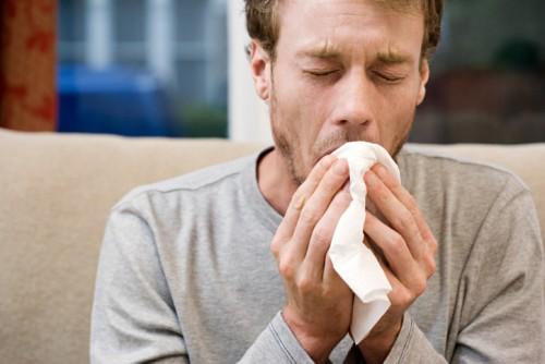 Dấu hiệu đầu tiên của bệnh lao phổi chính là những cơn ho kéo dài