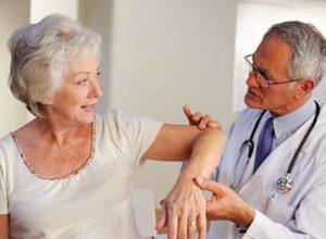 Điều trị bệnh run tay chân có khó hay không thưa Bác sỹ?