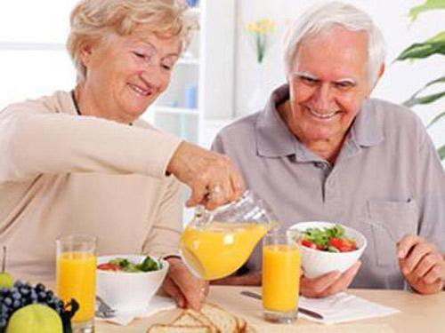 Nhóm thực phẩm dinh dưỡng nào tốt cho người già