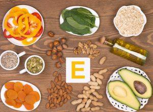 Người già có thể bổ sung vitamin E qua những thực phẩm tươi sống