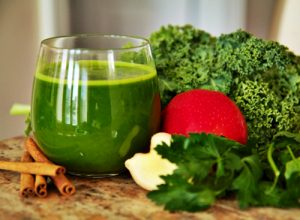 Các công thức nước ép rau củ tốt cho sức khỏe người cao tuổi