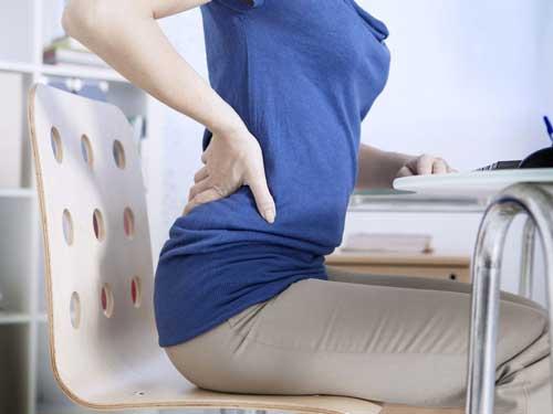 Điều chỉnh cách ngồi khi bị bệnh đau lưng