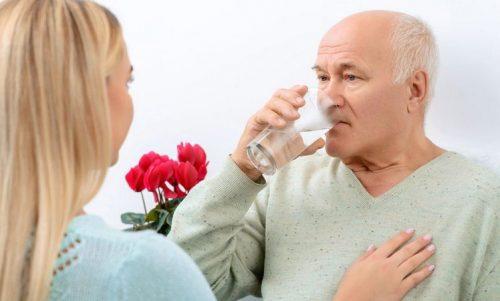Những nguyên tắc khi sử dụng thuốc kháng sinh cho người cao tuổi