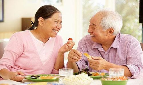 Cách phòng ngừa táo bón ở người cao tuổi