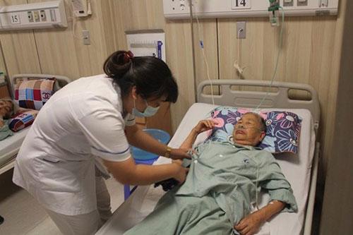 Hướng dẫn cách điều trị và chăm sóc bệnh trầm cảm ở người già