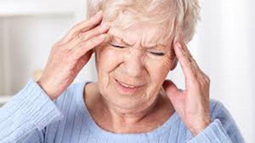 Những lưu ý khi điều trị đau đầu cho người cao tuổi