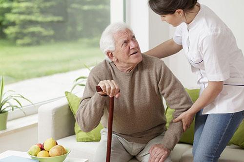 Những nguyên nhân gây chứng táo bón ở người cao tuổi