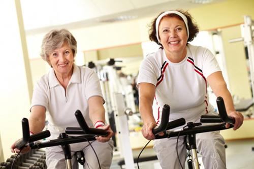 Cách chăm sóc sức khỏe người cao tuổi khoa học