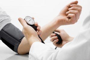 Cách phòng tránh bệnh tăng huyết áp ở người cao tuổi