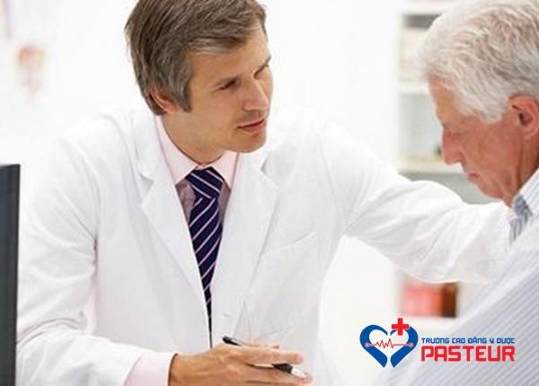 Thuốc bổ mắt cho người già cần chứa những nhóm dưỡng chất nào?