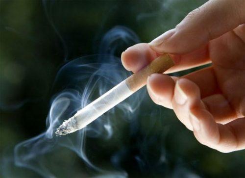 Tránh xa khói thuốc làm giảm nguy cơ mắc bệnh Alzheimer