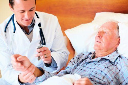 Có nhiều căn bệnh người già rất dễ mắc phải