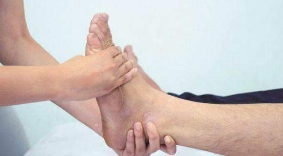 Nguyên nhân gây bệnh phù chân ở người cao tuổi là gì?