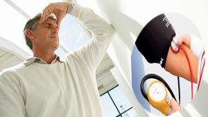 Huyết áp bất thường là dấu hiệu của bệnh thận ở người cao tuổi