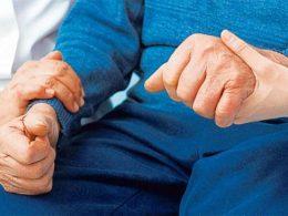 Phòng ngừa bệnh run chân tay để hạn chế tối đa biến chứng bện có thể xảy ra