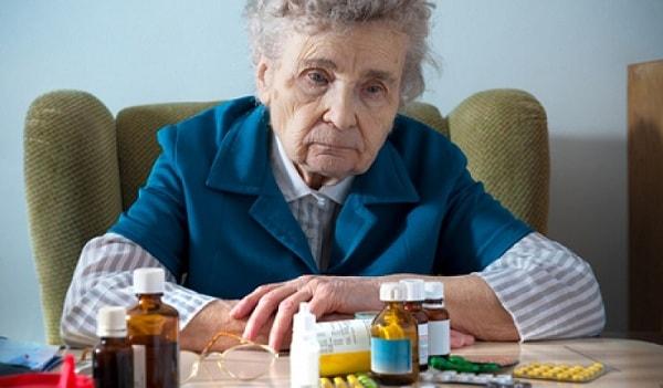 Bệnh có thể khiến người già gặp nhiều về vấn đề về sức khỏe