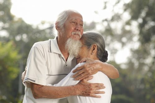 Người già vẫn khao khát được yêu thương