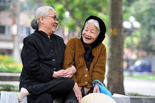 Người nên chủ động tìm người tâm sự tuổi giàa