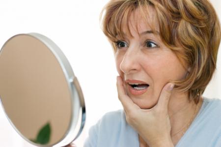 Phụ nữ sợ khi về già đối mặt với dung nhan xuống cấp