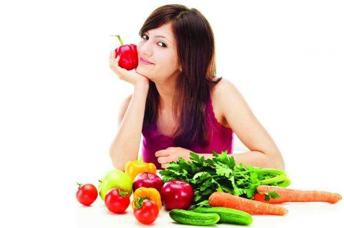 Ăn nhiều thực phẩm tươi và uống vitamin tổng hớp cũng là một cách giảm cơn đau bụng kinh
