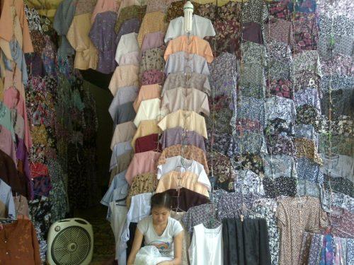 Lựa chọn quần áo cho người lớn tuổi sao cho phù hợp?