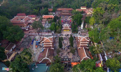 Chùa Hương là một địa danh nổi tiếng du xuân, tâm linh nổi tiếng ở phía Bắc