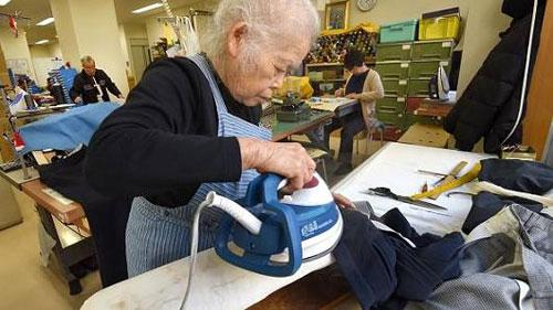 Người già có thể lao động các công việc dành cho người cao tuổi