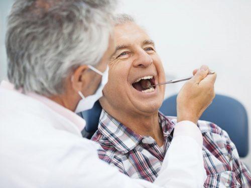Những bệnh răng miệng thường gặp ở người cao tuổi