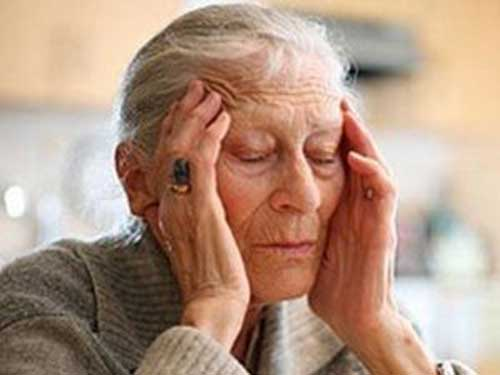 Lưu ý khi điều trị bệnh đau đầu cho người cao tuổi