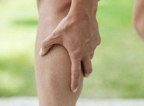 Nguyên nhân gây ra chuột rút chân ở chân?