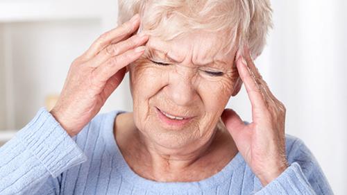 Những lưu ý trong phòng và điều trị bệnh đau đầu ở người cao tuổi