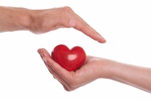 Cách bảo vệ sức khỏe tim mạch hiệu quả cho người cao tuổi trong mùa đông