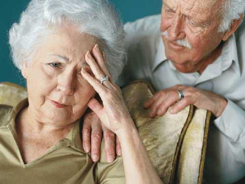 Nguyên nhân và cách chăm sóc bệnh lú lẫn ở người cao tuổi