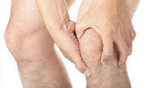 Cẩn trọng trong việc chăm sóc khớp gối cho người lớn tuổi