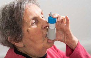Những lưu ý trong quá trình chăm sóc và chữa bệnh cho người cao tuổi