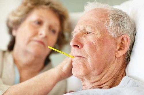 Để bảo vệ sức khỏe người cao tuổi cần lưu ý những gì?