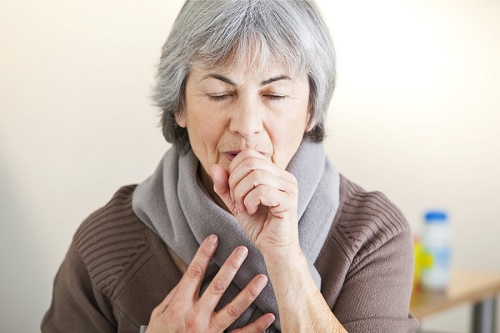 Cách phòng tránh mắc bệnh đường hô hấp ở người cao tuổi