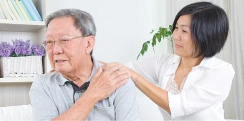 Khi có vấn đề về sức khỏe người bệnh cần tới bệnh viện để kiểm tra và thăm khám