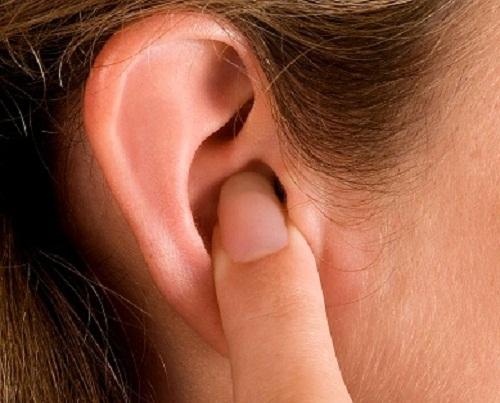 Nguyên nhân gây ra bệnh viêm tai ngoài